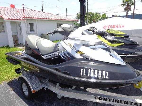 2009 Sea-Doo RXT 215