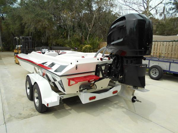 2005 Liberator 21 Tunnel Outboard