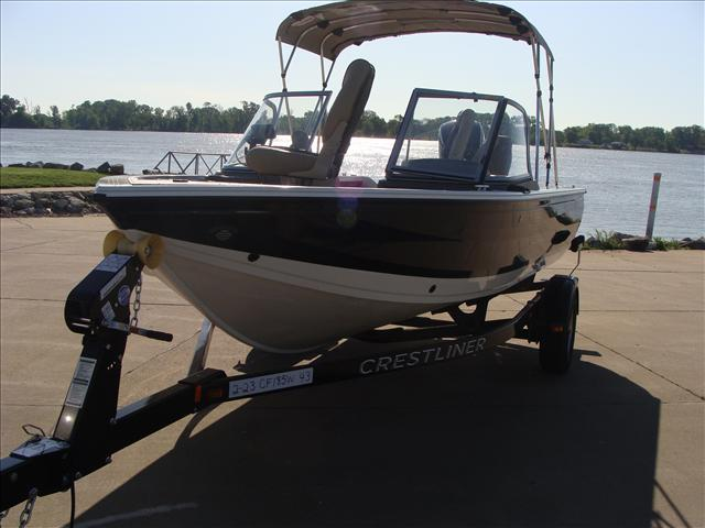 2016 Crestliner 1850 Fish Hawk Walk-through