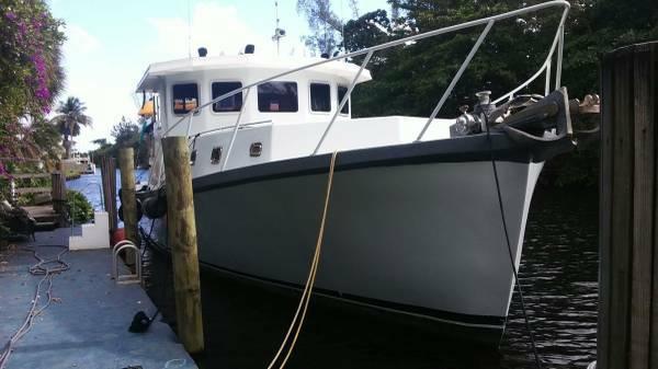 1975 Uniflite Motor Yacht Trawler