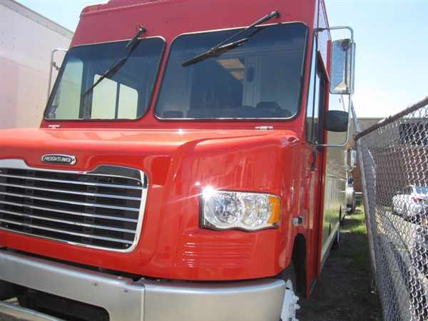 2009 Fcc Mt55 Chassis  Box Truck - Straight Truck