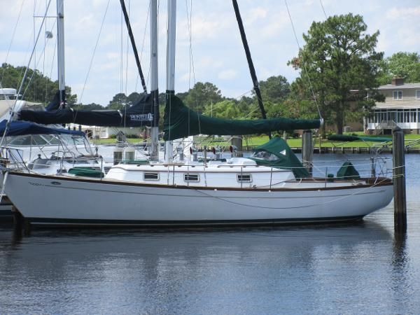 1980 Cheoy Lee Offshore 38