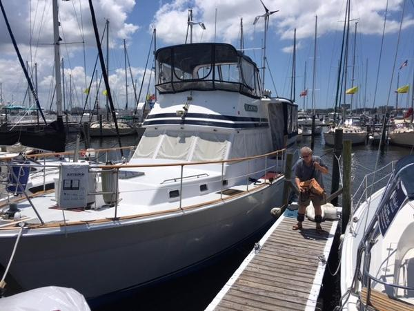 1980 Gulfstar 44 Motor Yacht