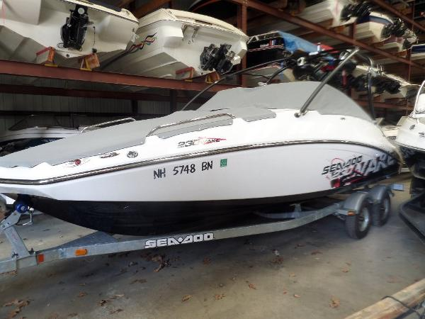 2010 Sea-Doo Sport Boats 230 Wake