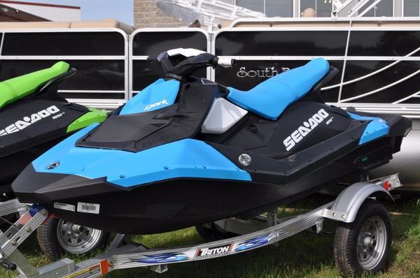 2016 Sea-Doo Spark 3-Up Rotax 900 HO ACE iBR & Convenience Pkg Plus