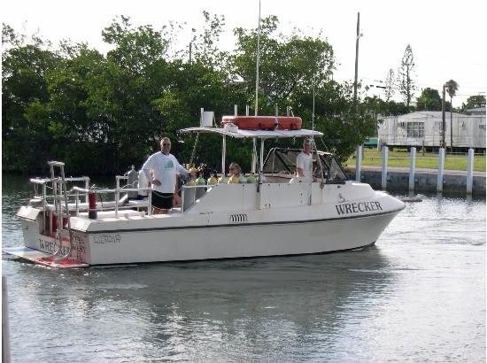1985 Delta 28 Dive Charter