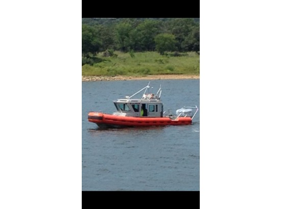 safe boat 25 defender boats for sale. Black Bedroom Furniture Sets. Home Design Ideas