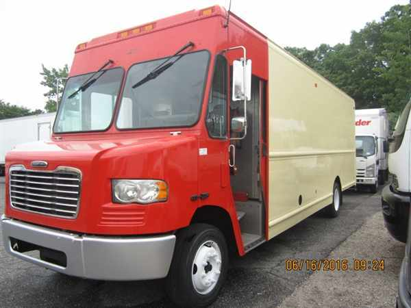 2010 Fcc Mt55 Chassis  Box Truck - Straight Truck