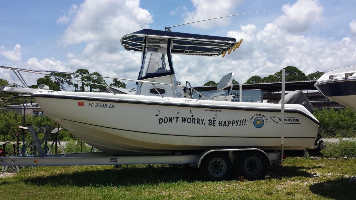 1999 Boston Whaler 21 Outrage