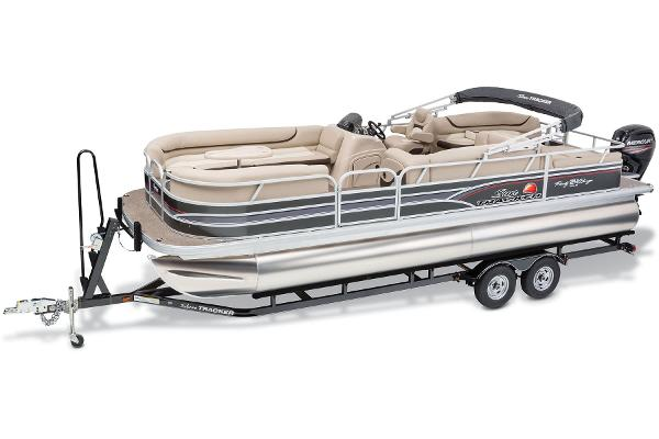 2015 Sun Tracker Party Barge 24 DLX WITH 60 BF