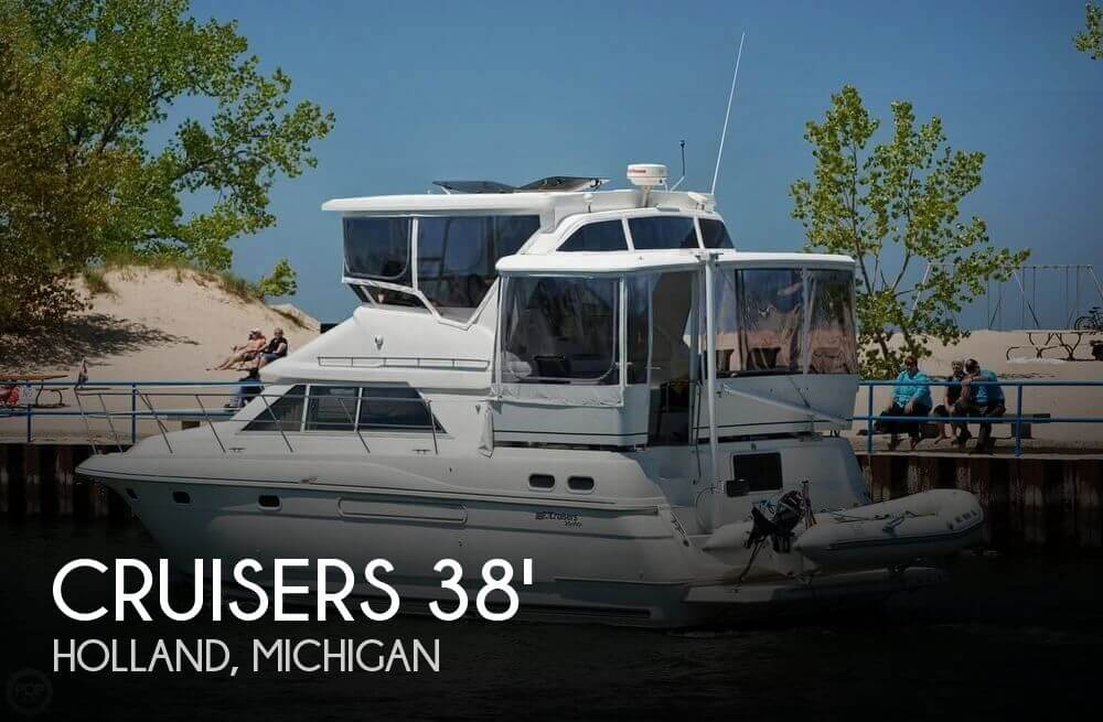 1997 Cruisers Yachts Aft Cabin 3650