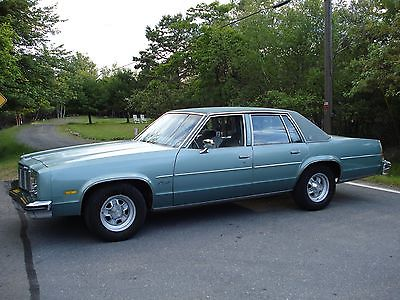 Oldsmobile : Eighty-Eight Royale 1977 oldsmobile delta 88 royale sedan 4 door 4.3 l