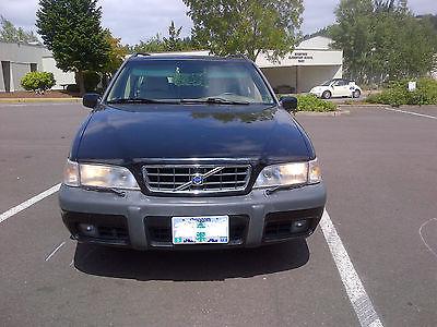 Volvo : V70 X/C AWD SE Wagon 4-Door 2000 volvo v 70 x c awd se wagon 4 door 2.4 l