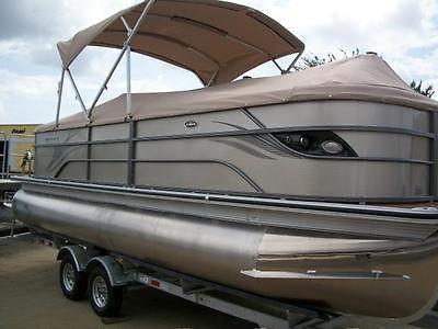 2014 Crest Classic Pontoon / Tri Toon Boat