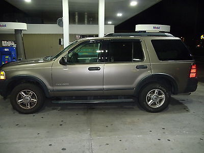 Ford : Explorer XLS 2005 ford explorer only 76 000 miles