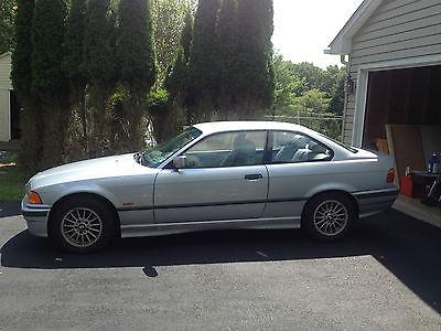 BMW : 3-Series Base Coupe 2-Door 1998 bmw 323 is base coupe 2 door 2.5 l