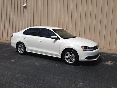 Volkswagen : Jetta TDI Premium Sedan 4-Door 2014 jetta tdi diesel 45 mpg clean brand new only 18 200 miles flawless bluetooth