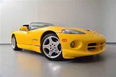 Dodge : Viper 2dr RT/10 Convertible 2 dr rt 10 convertible low miles manual gasoline 8.0 l 10 cyl viper race yellow