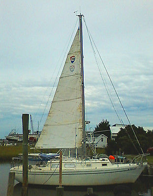1975 Columbia 28 Sailboat in Beaufort NC