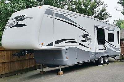 2007 5th WHEEL CAMPER RLSH NEWMAR CYPRESS