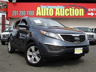 Kia : Sportage AWD 4dr LX Kia Sportage AWD 4dr LX Parking Sensors Bluetooth Wireless SUV Automatic Gasolin