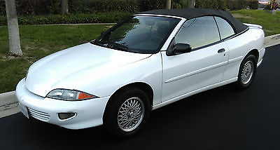 Chevrolet : Cavalier Z24 1999 chevy cavalier z 24 convertible 2.4 l auomatic transmission low mileage