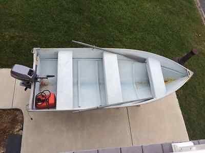 12ft aluminum starcraft fishing crabing hunting boat skiff  8HP Johnson motor