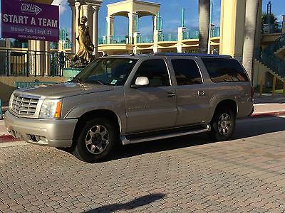 Cadillac : Escalade Private Seller 2004 cadillac escalade esv 6.0 l v 8 awd 04