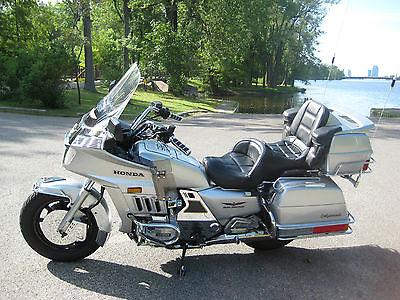 Honda : Gold Wing 1986 honda goldwing aspencade gl 1200 metallic silver 46 165 miles super sharp