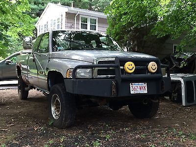 Dodge : Ram 2500 ST Cummins Diesel Ext Cab long bed 5sp manual 4x4 pre-emissions mechanical pump