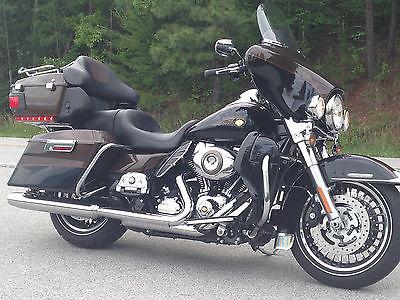 Harley-Davidson : Touring HARLEY DAVIDSON FLHTK 2013 110 TH ANNIVERSARY
