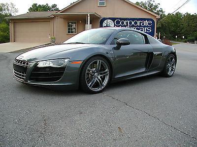 Audi : R8 2011 audi r 8 daytona gray pearl with black leather 5.2 l v 10 6 speed 9 k miles
