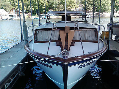 30 foot criscraft cruiser cavalier blu/whi twin 283 ci chevys