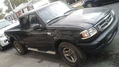 Mazda : B-Series Pickups B3000  2002 mazda truck b 3000 2 dr pickup 4 wd black color good condition