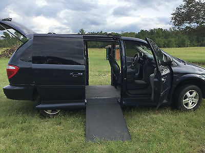 Dodge : Grand Caravan SXT Mini Passenger Van 4-Door Wheelchair accessible handicap van