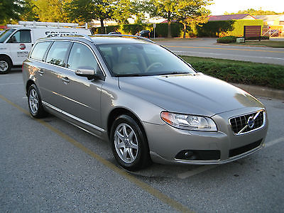 Volvo : V70 3.2 Wagon 4-Door 2010 volvo v 70 fwd wagon 3.2 l seashell metallic