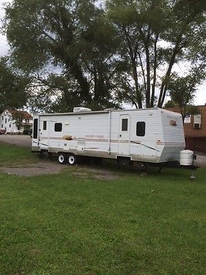 30 Foot Sunnybrook Trailer 2008 like new