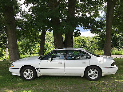 Pontiac : Bonneville SSE Sedan 4-Door white sports sedan 3800 series II 6 cal engine power seats windows and locks