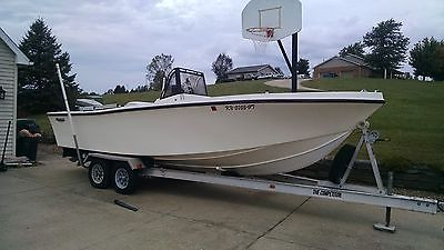1989 211 Mako Center Console w/aluminum Trailer