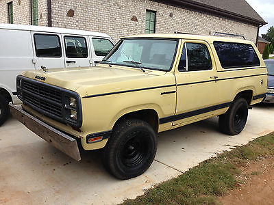 Dodge : Ramcharger 2DR SUV 1979 dodge ramcharger 4 x 4 truck