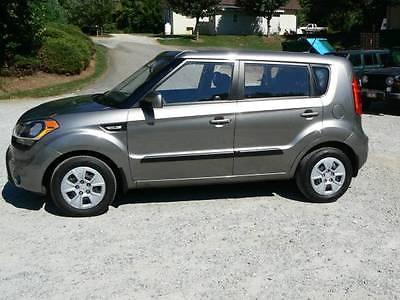 Kia : Soul 4 Door Wagon 2013 kia soul titanium pearl metallic 6 speed 4 door wagon