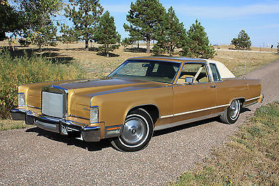 Lincoln : Continental 1978 lincoln contintental 2 door looks and runs like new