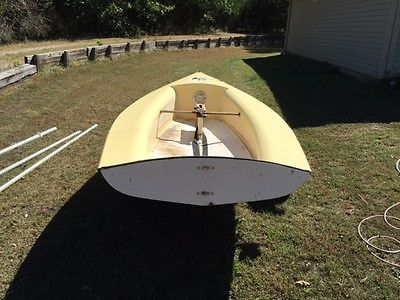 1972 Banshee Sailboat 13 foot dingy complete ready to sail