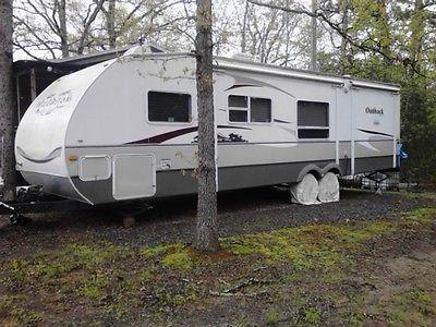RV 2007 Keystone Outback Sydney Edition camper 32 feet like new