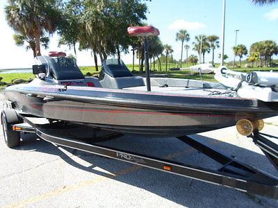 2000 ProCraft 185 Dual console Bass boat Mariner 150 hp 2 stroke