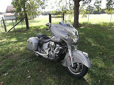 Indian : Chieftain  2016 indian chieftain silver smoke