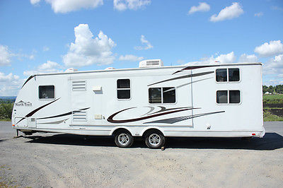 2008 Heartland North Trail 31QBS ULTRA LITE - Very Clean