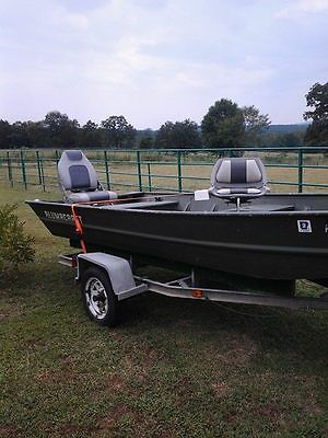 15 ft, flat bottom  alumacraft 25 h.p. evinrude