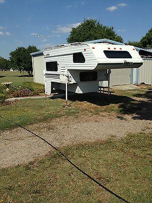 2000 Lance truck camper 820