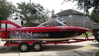2009 Moomba Mobius XLV23 23ft Ski Wakeboard Boat, Wet Sound Wake Plate Low Hours